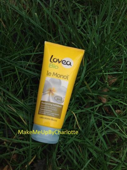 shampooing-loves-bio-naturel-monoï-supermarché-shooting-dans-l-herbe-avis-blogueuse-article