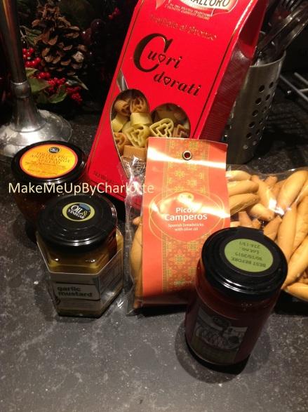 OeV5oil-&-vinegar-soldes-paquet-cadeau-surprise-huiles-vinaigres-food-pâtes-moutarde-cuori-dovati-pâtes-en-coeur-sauce-tomate