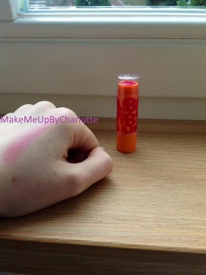 maybelline-baby-lips-avis-revue-les-meilleurs-cherry-menthe-pêche-kit-set-baumes-à-lèvres-colorés-hydratants-hydratation-intense-care-jaune-pink-punk-rose-cherry-me