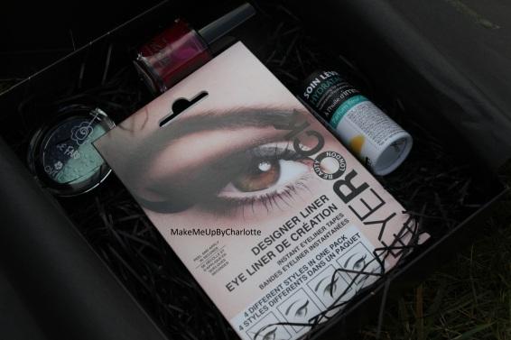 deputy-box-janvier-produits-reçus-blogueuse-avis-article-maquillage-soins-vernis-rouge-fards-à-paupières-baume-à-lèvres-plante-system-eyeliner-patch-sticker-a-thing-of-beauty-is-a-joy-forever-eyerock