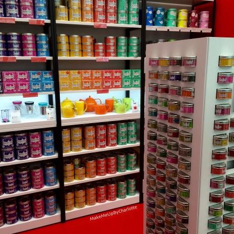 idées-cadeaux-noel-femmes-makeup-maquillage-rouges-à-lèvres-kit-new-look-article-avis-blogueuse-swatch-pas-cher-parfait-décoration-rose-maisons-du-monde-mappe-monde-kusmi-tea-premier-magasin-bruxelles-belgique-thés
