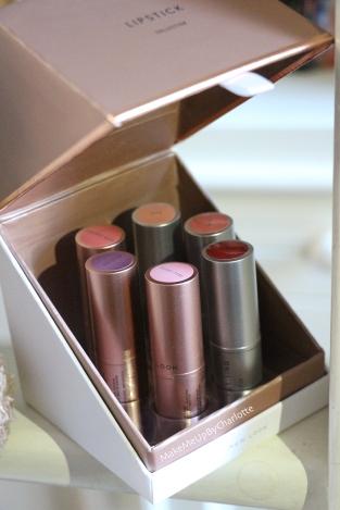 idées-cadeaux-noel-femmes-makeup-maquillage-rouges-à-lèvres-kit-new-look-article-avis-blogueuse-swatch-pas-cher-parfait