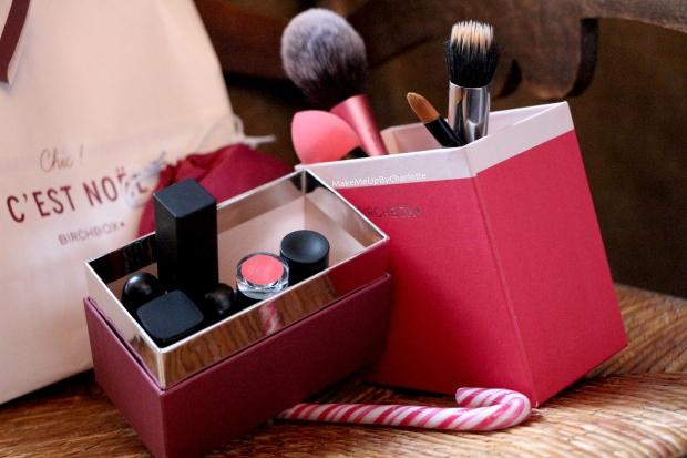 birchbox-chic-c-est-noel-decembre-2016-event-blogger-presse-marcelle-john-masters-organics-polaar-human+kind-loc-rangement-à-pinceaux-maquillage-candy-cane-canne-à-sucre-fêtes-idée-cadeau-box-blogueuse-revue-avis-produits-reçus-swatch-rouge-à-lèvres-real-techniques