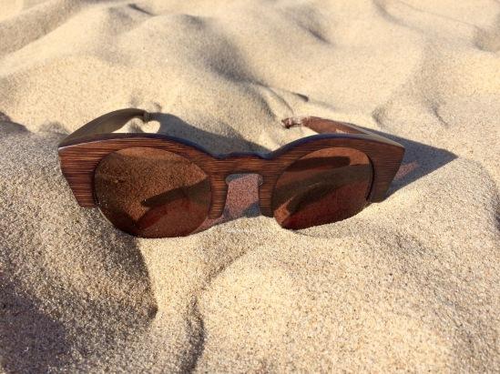 Des lunettes en bois/bambou avec un bon UV