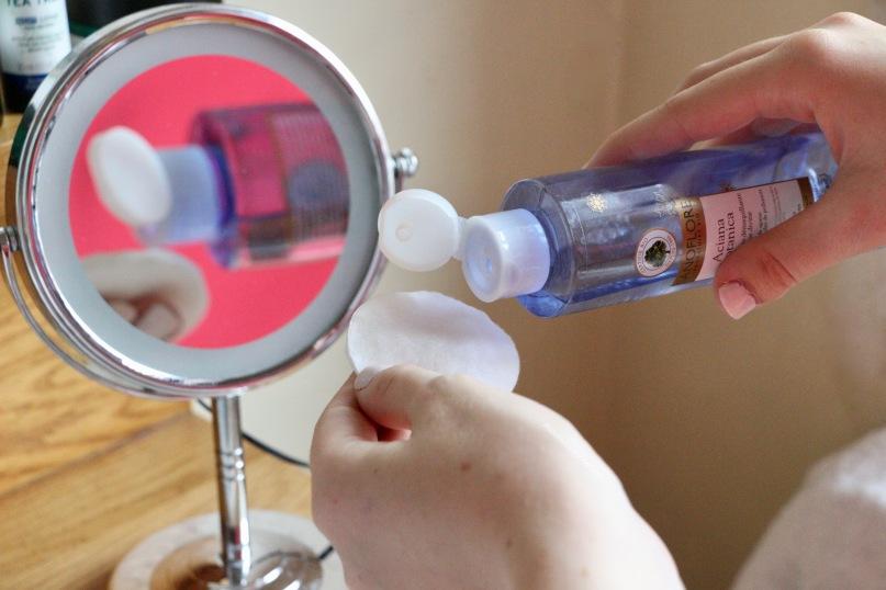 Une eau micellaire nettoyante bio contre la pollution